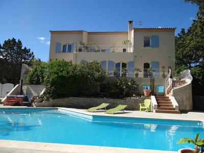 Photo for Large bastide with swimming pool and south-facing spa
