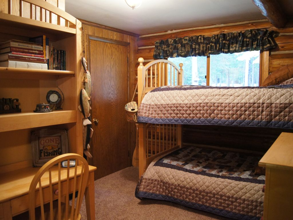 Authentic Log Cabin Directly on Ontonagon River and ...