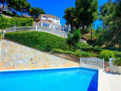 Photo for Lovely apartment for 8 guests with A/C, private pool, WIFI, TV and parking