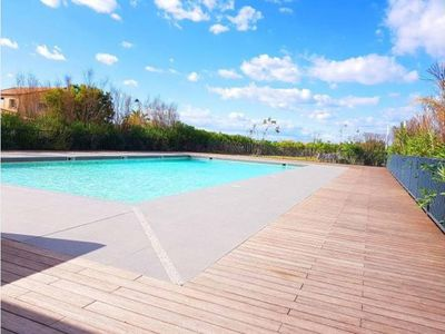 Photo for Standing T3 with garden, swimming pool, near SEA