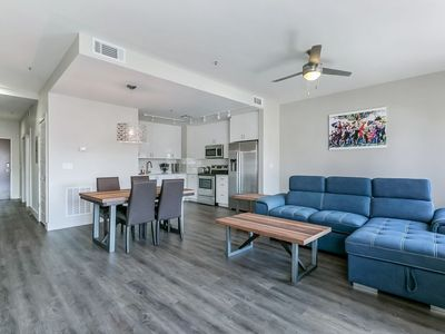 Photo for Spacious Modern 1bd Condo in California Building by Hosteeva