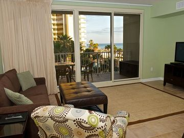 GORGEOUS 3rd FLOOR BEACH CONDO!  BOOK YOUR SPRING VACATION TODAY!!!
