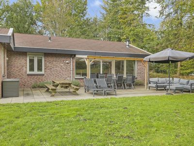 Photo for Extra luxury 10-person bungalow in the holiday park Landal Aelderholt - rural location