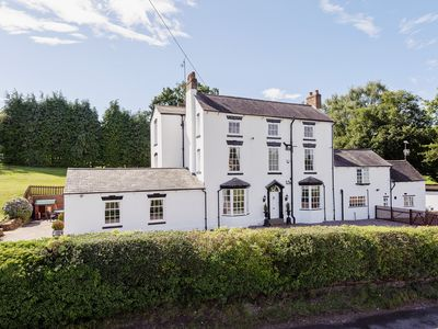 Photo for 7 bedroom accommodation in Knowle Sands, near Bridgnorth
