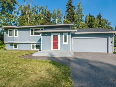 Photo for Spacious modern home in a quiet neighborhood and convenient location
