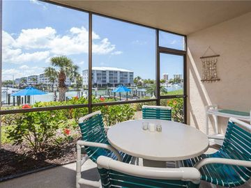 Estero Island Yacht & Racquet Club, Fort Myers Beach, FL, USA