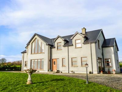 Photo for MILLERS LANE HOUSE, pet friendly in Muff, County Donegal, Ref 932847
