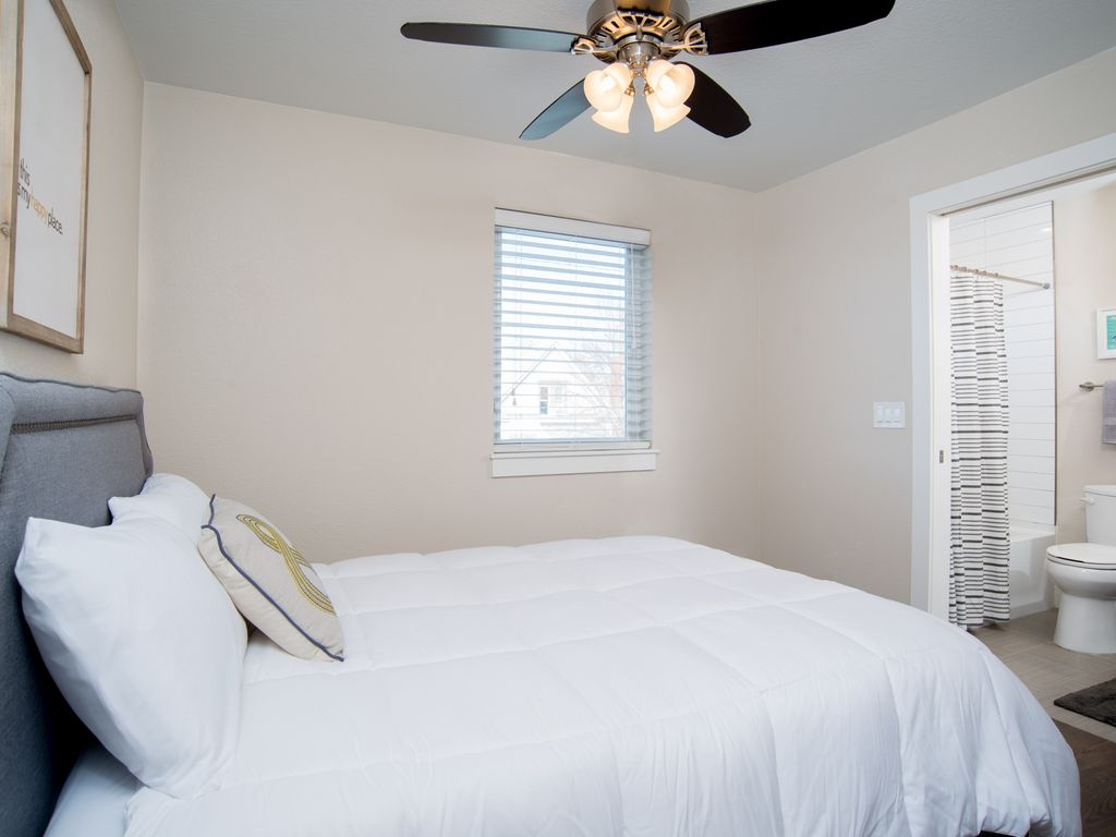 Property Image#4 2bd/2.5ba Baker Townhome W/Rooftop Patio