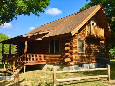 EXPERIENCE PURE MICHIGAN! Log cabin 2 minutes from Crystal Mtn & Betsie  River!!! - Thompsonville