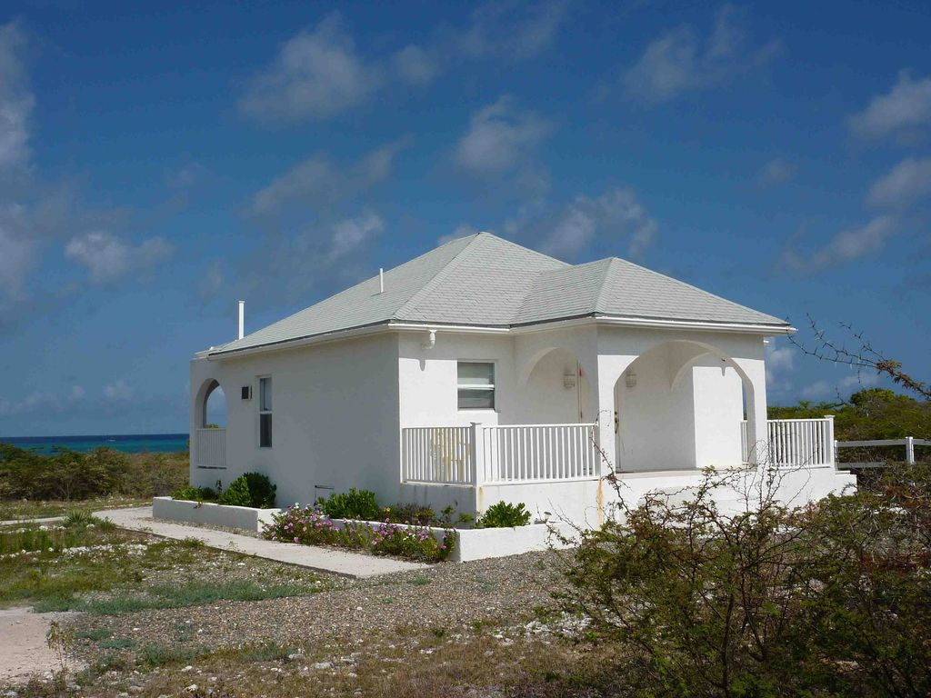 Location maison grce bord de mer beautiful abritel - Maison de vacances iles turques worth ...