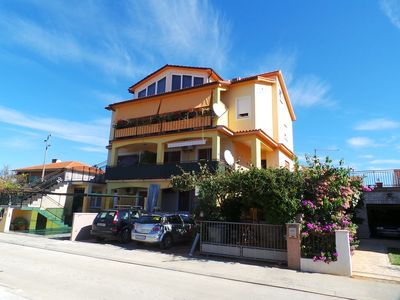 Photo for Holiday apartment with large terrace and 300 m to Adriatic Sea