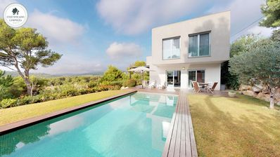 Photo for Fantastic modern villa very well equipped, located in a quiet environment