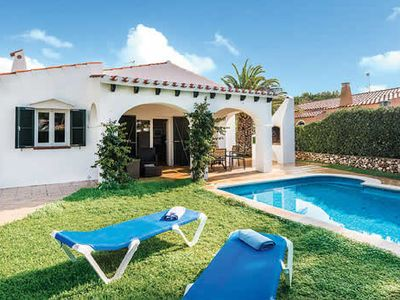 Photo for Single storey villa with outdoor dining, private pool and free Wi-Fi