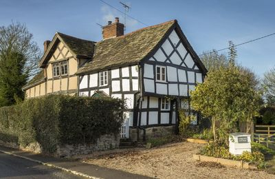 Photo for A pet friendly, character cottage, sleeping four. On Herefordshire's Black and White Village Trail.
