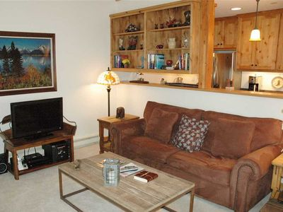 Photo for RMR: 2 br Aspens Berry Patch condo: End Unit with Lots of Light + Free Fun!