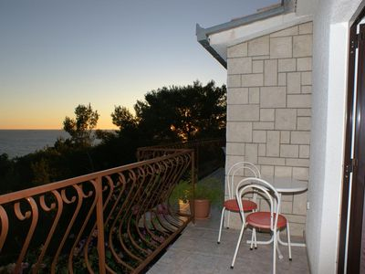 Photo for Two bedroom apartment with terrace and sea view Jagodna, Hvar (A-4000-a)