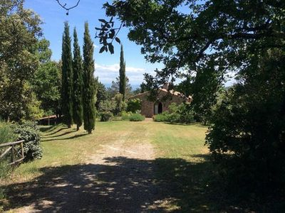 Photo for 19th century farmhouse on a hill between magical valleys and Sienese hills