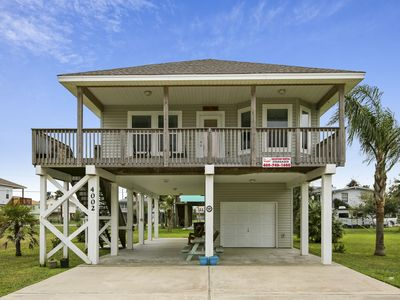 Photo for Stargazer is a bayside home, just blocks from the Sea Isle Sandbar Grille!