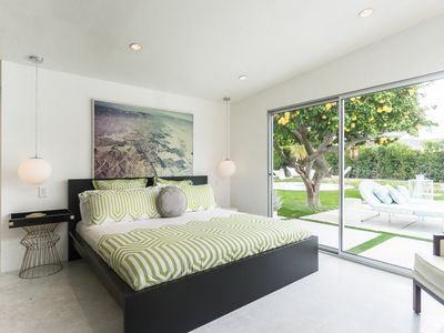 Poolside Bed palm springs 2br stunner with pool - vrbo