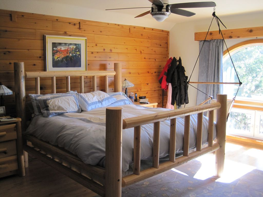 Master Bedroom 5 With King Bed. Beautiful Views Of The Mountains. Next  Photo.