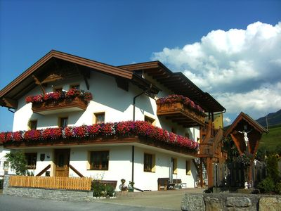 Photo for Spacious apartment for 1-5 persons at the entrance of the Pitztal