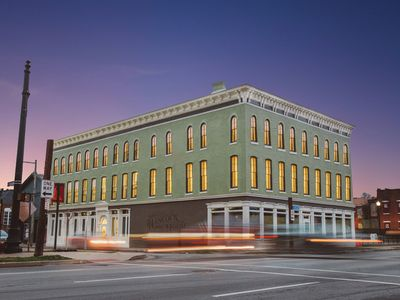 Stay Like a True Local!  Located in Louisville's Nulu district
