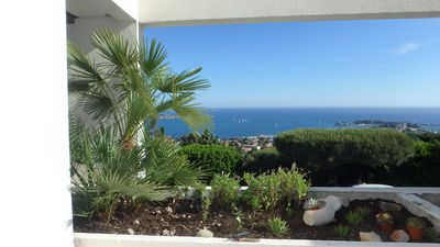 Photo for Bandol, 105m2 apartment + 40 m2 terrace, sea view 180 °, Pool