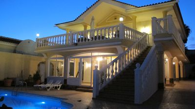 Photo for Great 5-bedroom Villa with private pool and unforgettable superb Ocean views
