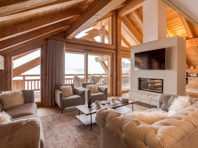 Photo for Luxury 4 bedrooms chalet in the Alpes d'Huez