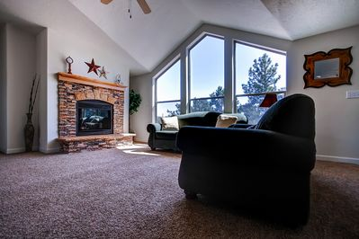Elevate your Utah journey by staying at this cozy Boulder vacation rental home!
