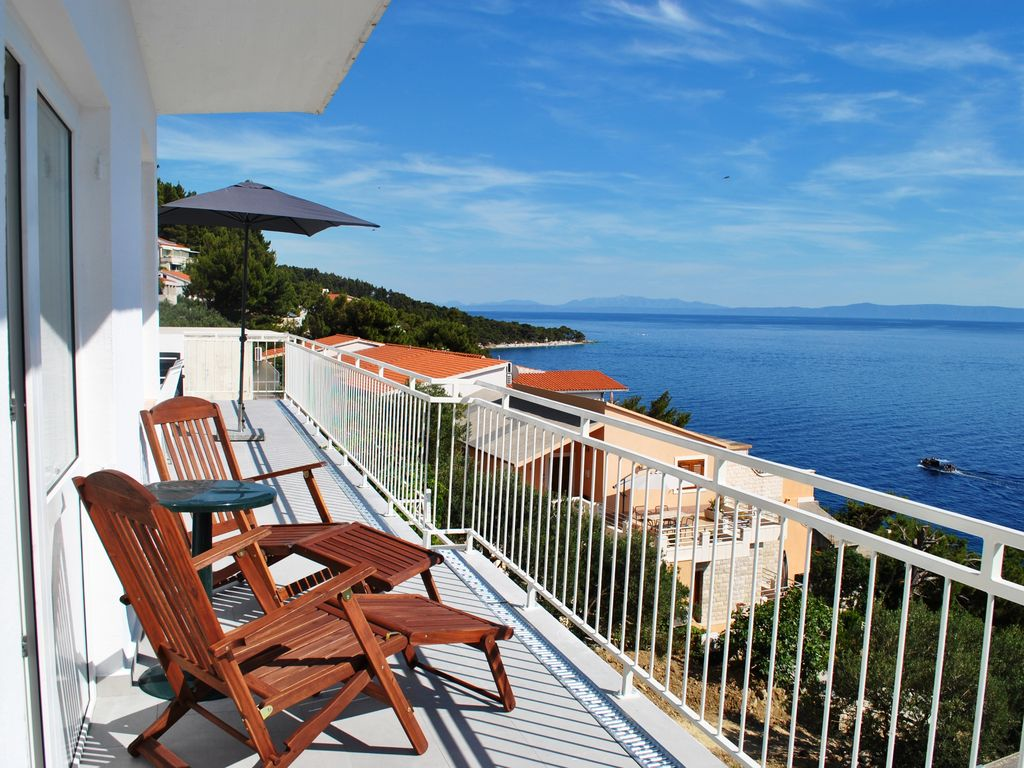 Perfect seaview apartment just 150m from the beach large for 63 seaview terrace sunshine beach