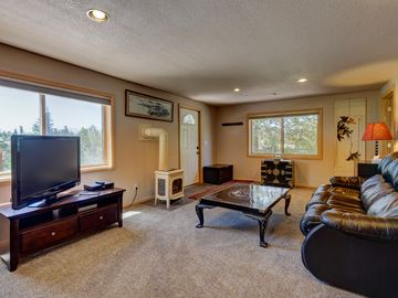 1 Bedroom Apartment, Pet Friendly, Fenced Yard, Next To Lake Dillon