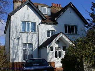 Parkgate House, lovely Edwardian House is the charming town of Caterham, Surrey