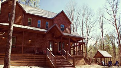 Photo for Creekview Lodge: IF YOU ARE LOOKING FOR A RELAXING GETAWAY NESTLED IN THE
