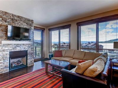 Bright & beautiful posh condo w/view & shared pool, hot tubs, game room & more