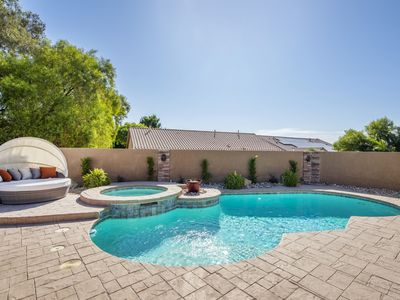 Photo for Amazing 4 Bd Las Vegas Home w/ POOL & SPA!