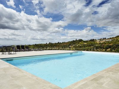 Photo for Stunning private villa for 19 guests with private pool, WIFI, TV and parking, close to Arezzo
