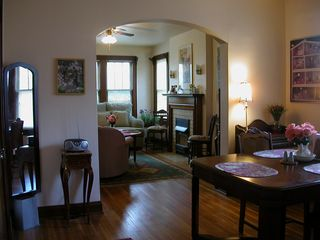 Charming 1 BR Apt in