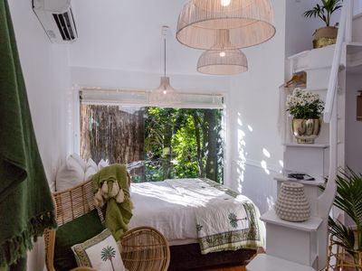 Photo for Romantic hideaway private & stylish 300m to beach