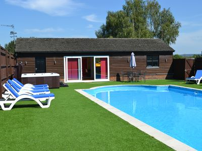 Photo for Spacious chalet, private pool & hot tub, rural location in Chilterns AONB