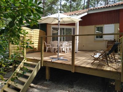 Photo for Cosy, under the pines, near beaches, in residence with swimming pool