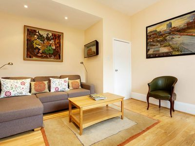 Photo for Bright and Cosy One Bedroom Apartment in Notting Hill, Sleeps 4 (Veeve)
