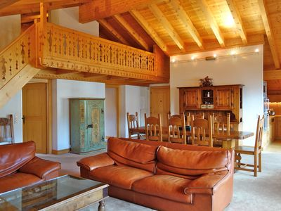 Photo for Fantastic location in the heart of the resort with spacious living area, balcony