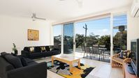 Lovely apartment in an amazing location, literally seconds from some of Huskisson's best bits!