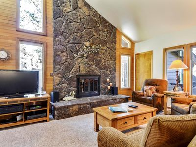 Photo for Spacious Home near Sunriver Village Mall w/ WiFi, Hot Tub, BBQ & Complex Pool