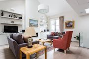 London Home 12, Imagine Renting Your Own 5 Star Private Holiday Home in London, England - Studio Villa, Sleeps 6