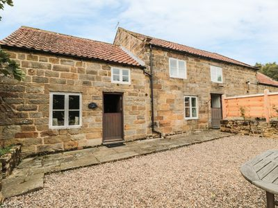 Photo for POND COTTAGE, pet friendly in Rosedale Abbey, Ref 983977