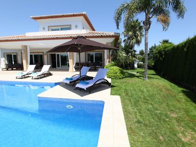 Photo for Amazing villa with large pool