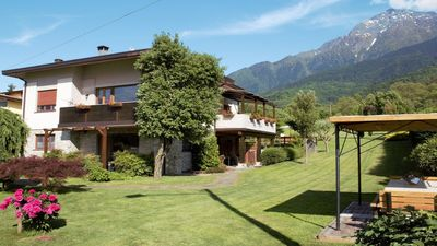 Photo for Colico: villatrecariole x 4 adults + 1 baby with pool, mountain and lake view