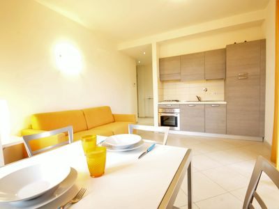 Photo for Apt with pool, balcony, 1500 m from beaches, private park, dishwasher